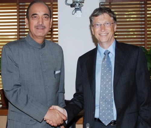 Keeping Health First: Bill Gates with Indian Union Health Minister Ghulam Nabi Azad
