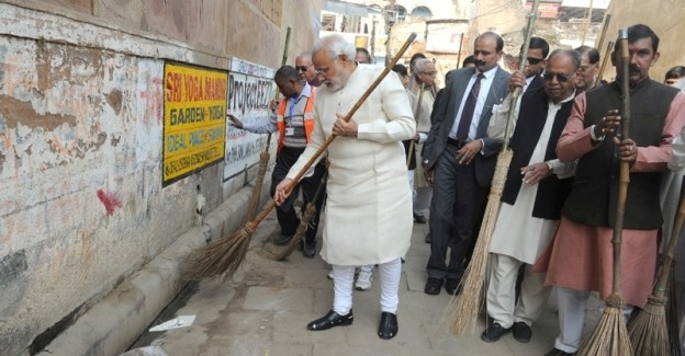 From Delhi to Varanasi, Prime Minister Remains Focused on Swachh Bharat