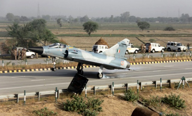 New Use for the Yamuna Expressway: Emergency Landing of Jets!