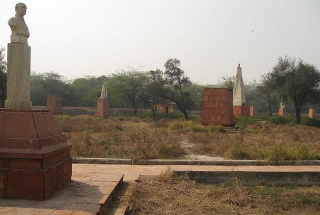 coronation-pillar