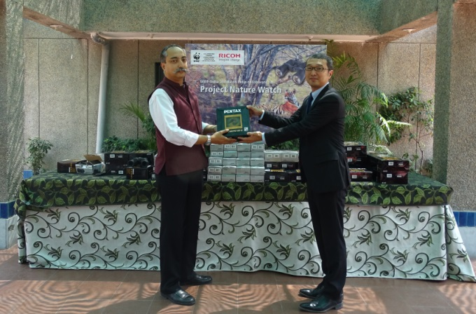 Mr. Tetsuo Ohta, Associate Vice President, Ricoh India hands over Pentax...