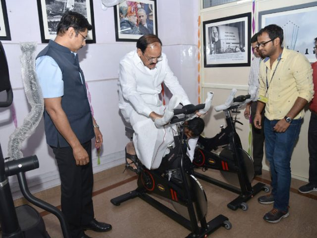Keeping Health First, Minister Inaugurates Gymnasium in Shastri Bhawan