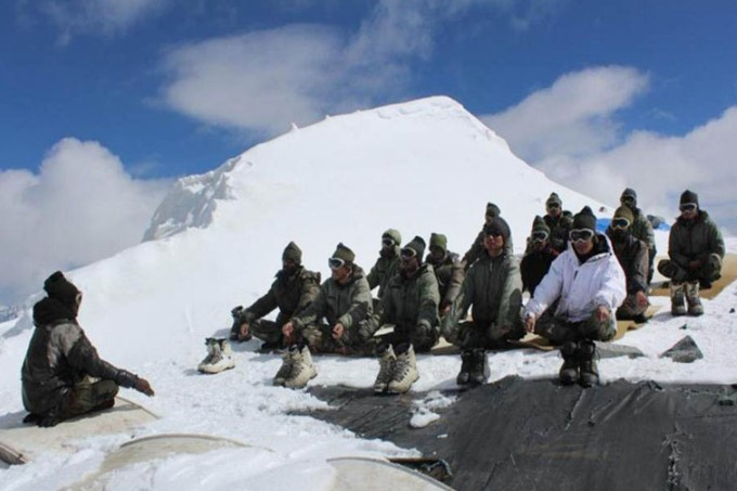 Indian Army Takes Swachch Bharat Abhiyan to the Highest Battlefield