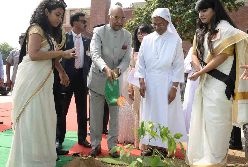 President of India Plants a Sapling at Jesus & Mary College, DU