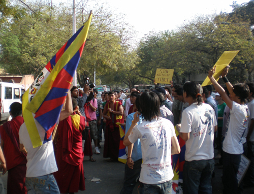 Against Olympics in China, Tibetans protest Jantar Mantar