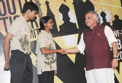 Jairam Ramesh with Youth Tiger Ambassadors