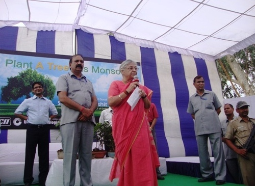 CM Shiela Dixit at the Plant a Million trees Campaign