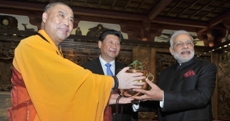 Prime Minister Receives Bodhi Tree Sapling from Pagoda, China