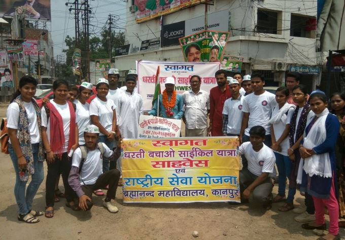 kanpur with local volunteers