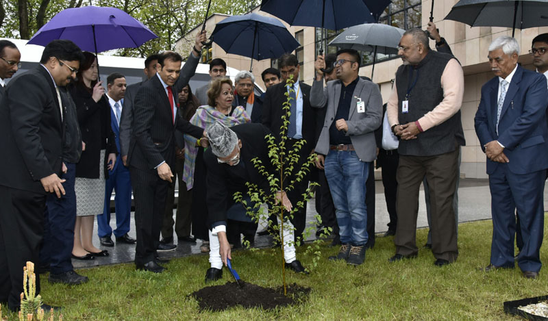 Vice President of India Plants Sapling in Indian Embassy, Poland