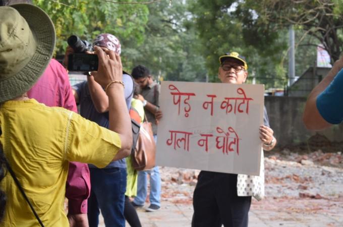 Chipko Movement at Sarojini Nagar for Saving the Trees of Delhi