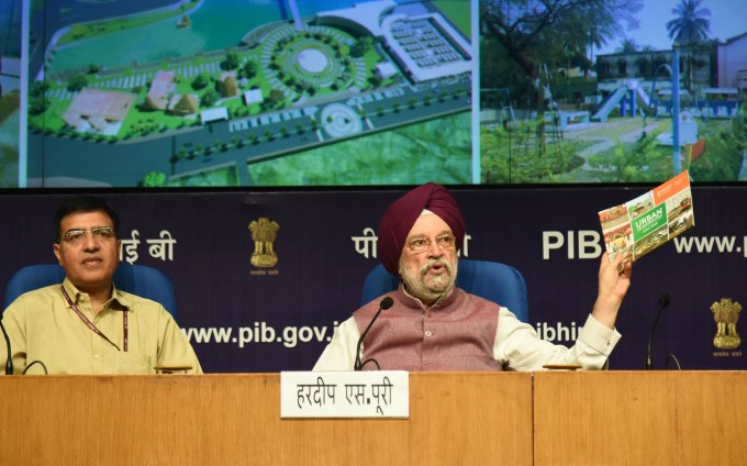Urban Affairs Ministry Accepts That It Is Cutting 14,031 Trees in Delhi