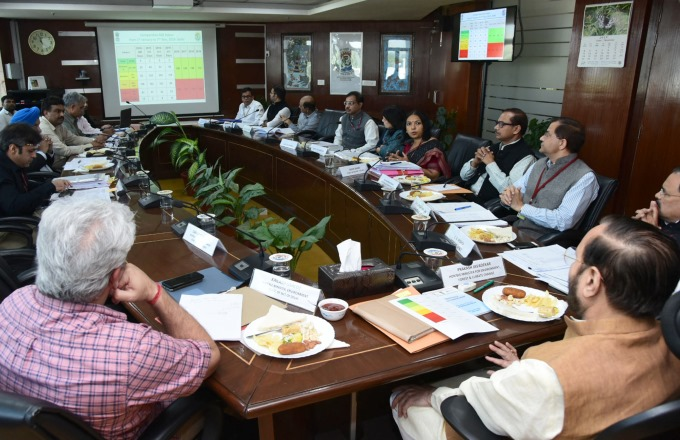 Air Pollution Mitigation Efforts Reviewed by Environment Minister