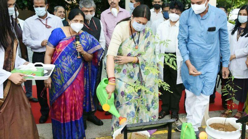 Union Minister Smriti Irani Plants Sapling at Nutri Garden